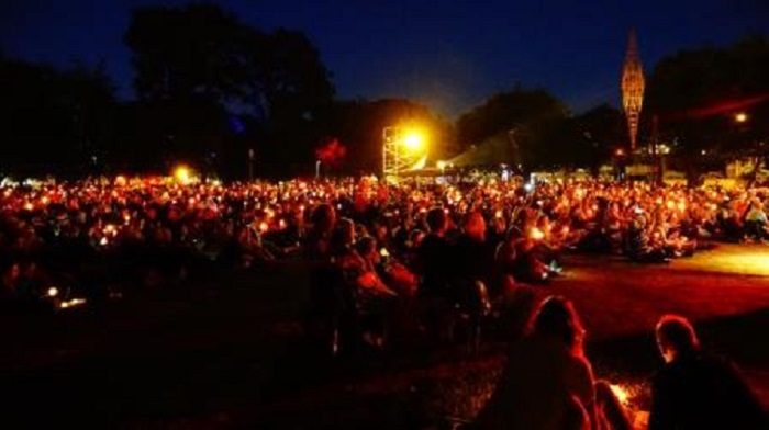 'Carols by Candlelight in Latimer Square