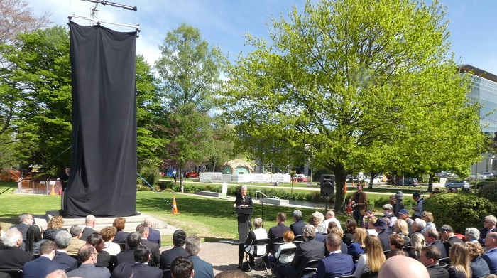 'Statue unveiling ceremony at Scott Statue Reserve